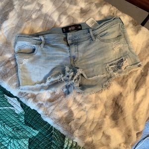 Pants - Hollister low rise denim shorts size 11